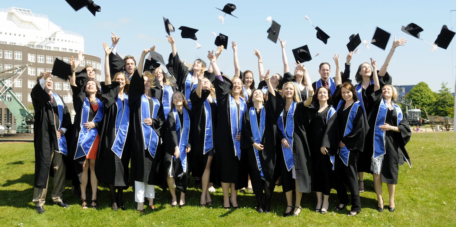 mezuniyet_cubbesi